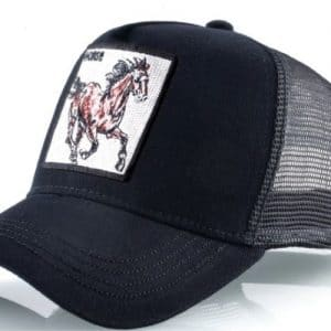 כובע חיות הסוס הדוהר שחור